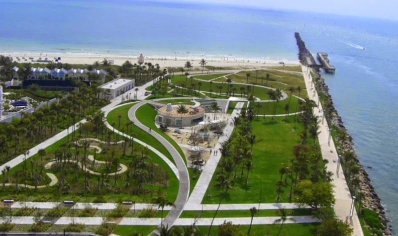 Praia em South Pointe Park Beach em Miami