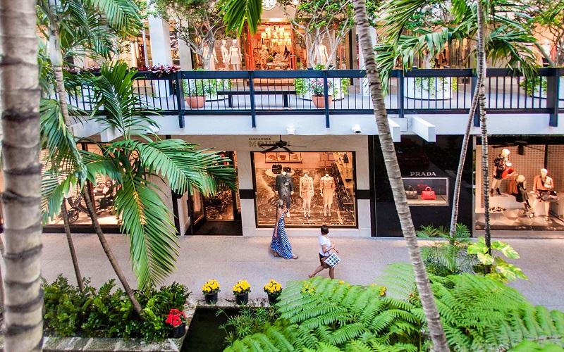 Compras nas lojas de luxo do Shopping Bal Harbour em Miami