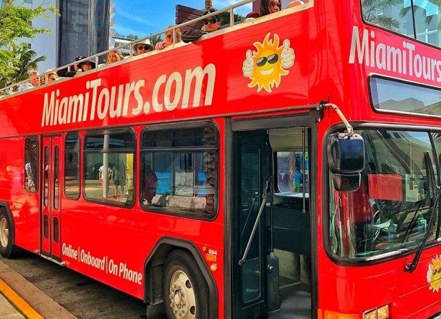 Ônibus turístico em Miami